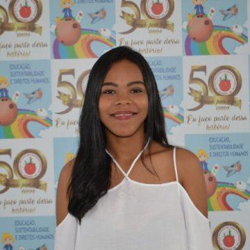 Tia Larissa Martins