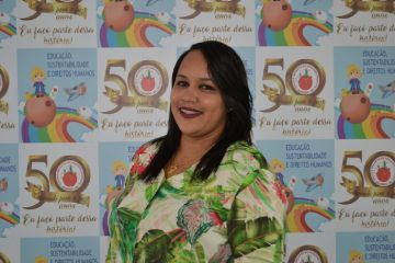 Tia Íris Ribeiro