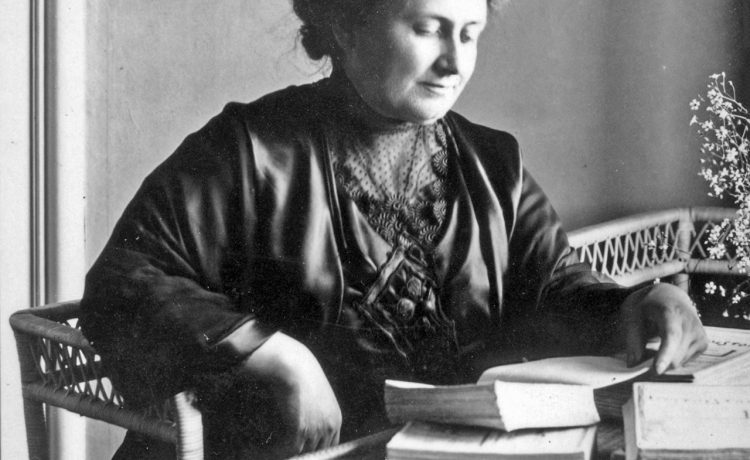 Maria Montessori, a médica que valorizou o aluno