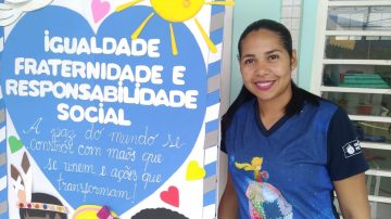 Tia Gabriela Souza