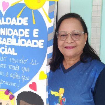 Tia Helenilde Ferreira